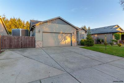 Woodburn Single Family Home Active Under Contract: 2822 Championship Dr