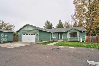 Keizer Single Family Home For Sale: 768 James St