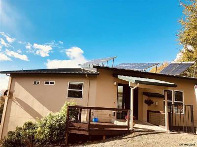Salem Single Family Home For Sale: 7229 Orville Rd
