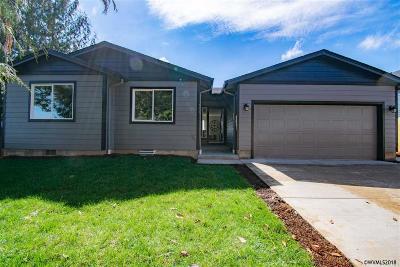 Salem Single Family Home For Sale: 926 Norman Av