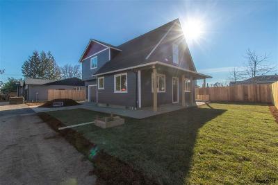 Salem Single Family Home For Sale: 922 Norman Av