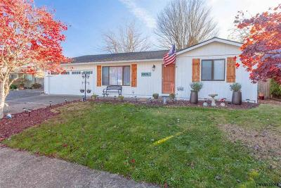 Salem Single Family Home For Sale: 1974 Winchester St