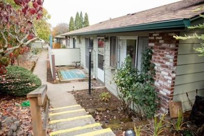 Salem Condo/Townhouse Active Under Contract: 783 Boone (#5) Rd