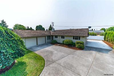 Stayton Single Family Home For Sale: 744 E Hollister St