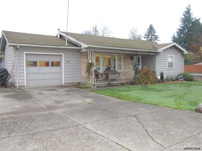 Mt Angel Single Family Home Active Under Contract: 915 E Marquam St