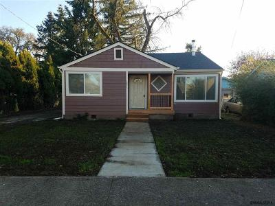 Sweet Home Single Family Home Active Under Contract: 1871 Kalmia St