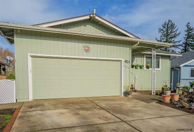 Salem Single Family Home For Sale: 1659 Nut Tree Dr