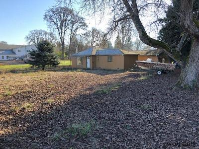 Scio Single Family Home Active Under Contract: 38932 NW 4th Av
