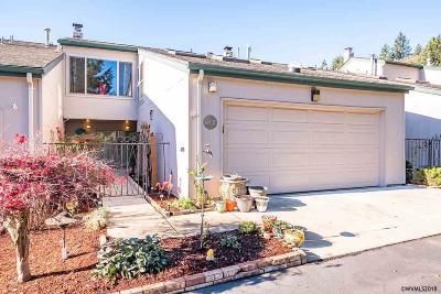 Salem Condo/Townhouse For Sale: 612 Salem Heights Av