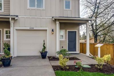 Salem Condo/Townhouse For Sale: 5716 Joynak St