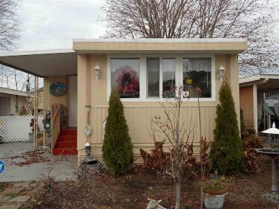 Keizer Manufactured Home Active Under Contract: 5355 River Rd #10