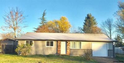 Independence Single Family Home For Sale: 402 S Spruce Av