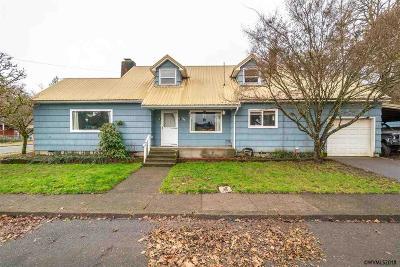Sweet Home Single Family Home For Sale: 745 Dogwood St