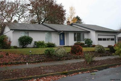 Salem Single Family Home For Sale: 1458 Hemlock St