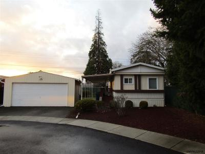 Keizer Manufactured Home Active Under Contract: 5510 Windsor Island (#29) Rd #29