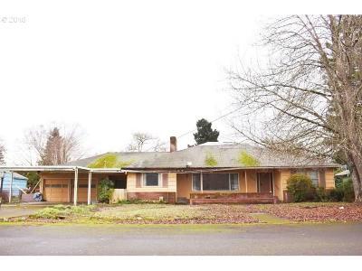 Keizer Single Family Home For Sale: 722 Maine Av