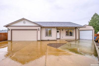 Aumsville Single Family Home Active Under Contract: 975 Highberger Lp