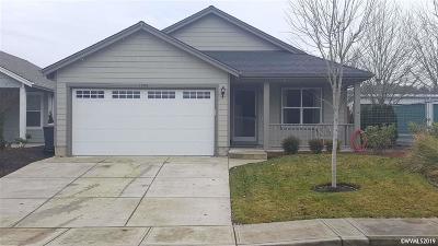 Dallas Single Family Home For Sale: 1503 SE Jonathan Av