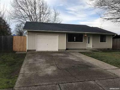 Aumsville Single Family Home Active Under Contract: 845 N 9th St