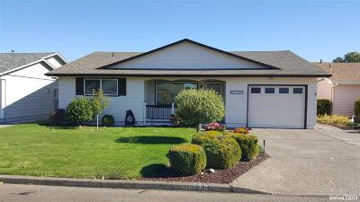 Woodburn Single Family Home Active Under Contract: 776 S Cascade Dr