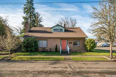 Albany Single Family Home For Sale: 710 Calapooia St