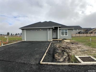 Dallas Single Family Home For Sale: 1577 SE Barberry Av