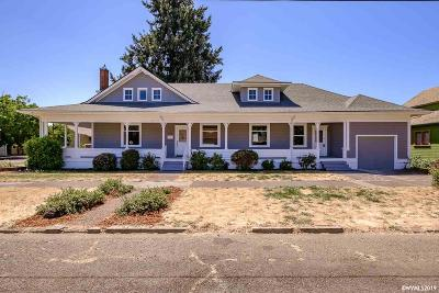 Dallas Single Family Home Active Under Contract: 385 SE Court St