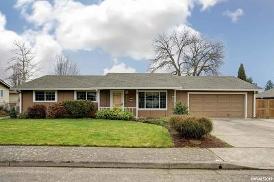 Mt Angel Single Family Home For Sale: 640 S Pershing St
