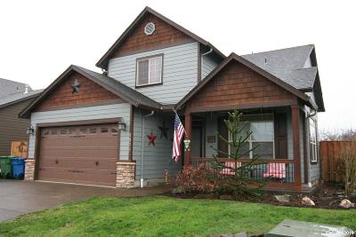 Aumsville Single Family Home For Sale: 9836 Willamette St