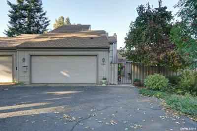 Salem Condo/Townhouse For Sale: 6590 Huntington Cl