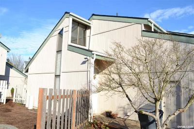 Salem Condo/Townhouse For Sale: 3842 Auburn Rd