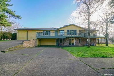 Woodburn Single Family Home For Sale: 1210 Judy St