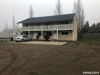 Keizer Multi Family Home Active Under Contract: 641 Plymouth Dr