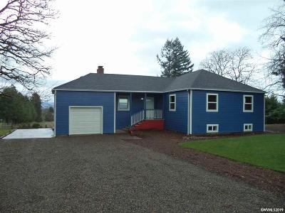 Aumsville Single Family Home Active Under Contract: 8693 Shaw Square Hwy