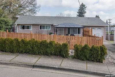 Salem Single Family Home For Sale: 2782 Bluff Av