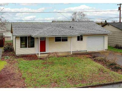 Woodburn Single Family Home For Sale: 2100 Umpqua Rd