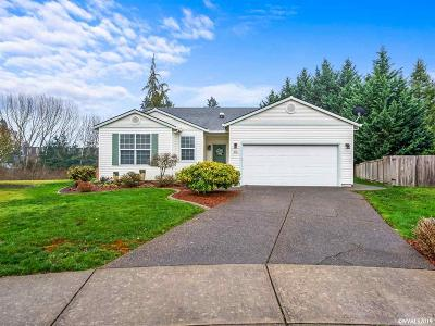 Woodburn Single Family Home For Sale: 316 Quail Cl