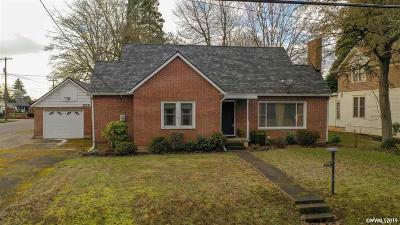 Woodburn Single Family Home For Sale: 235 S Settlemier Rd