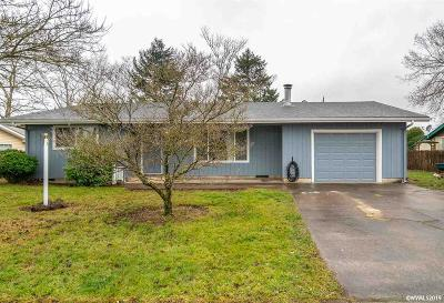 Aumsville Single Family Home Active Under Contract: 705 N 4th Street