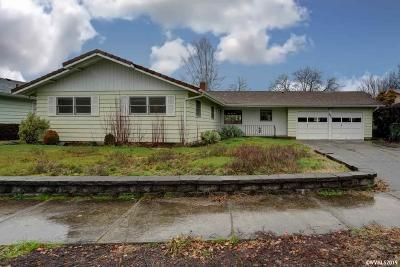 Keizer Single Family Home For Sale: 447 Wilshire Dr