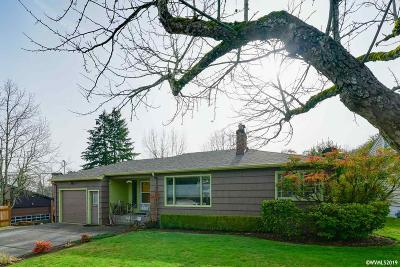 Salem Single Family Home Active Under Contract: 220 Alice Av
