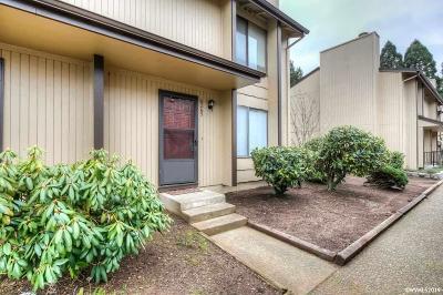 Salem Condo/Townhouse For Sale: 6265 Fairway Av