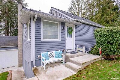 Salem Single Family Home For Sale: 940 Cascade Dr