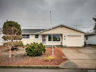 Woodburn Single Family Home For Sale: 2256 Umpqua Rd