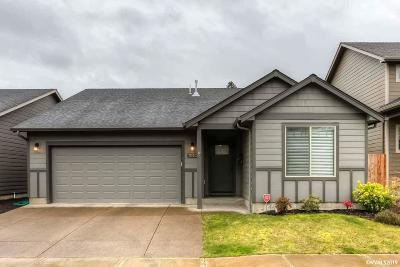 Keizer Single Family Home For Sale: 1050 Harbour Ln