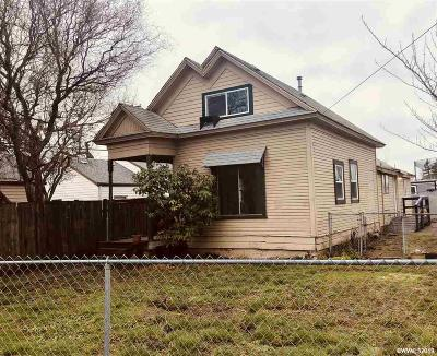 Salem Single Family Home For Sale: 1317 Market St