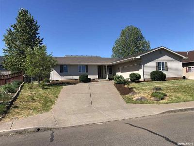 Dallas Single Family Home Active Under Contract: 388 NE Fern Av