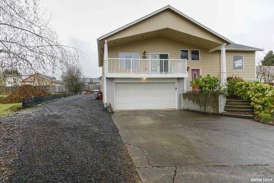 Dallas Single Family Home For Sale: 380 NE Evergreen Ct
