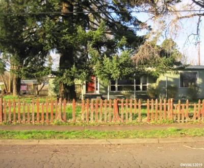 Albany Single Family Home For Sale: 1105 24th Av