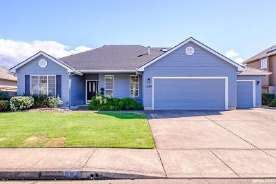 Keizer Single Family Home Active Under Contract: 1086 Glazemeadow St